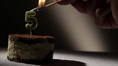 Candle 5 In Tiramisu Cake - After Effects Motion Graphics (Videohive)